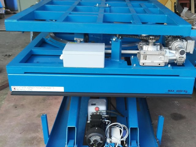 Rotary and lifting table