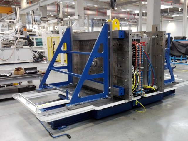 Service bench for tools 30t